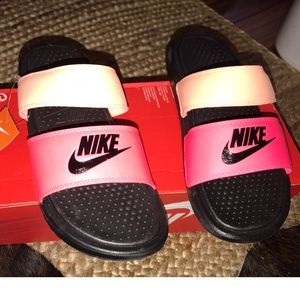 NWT Nike slides